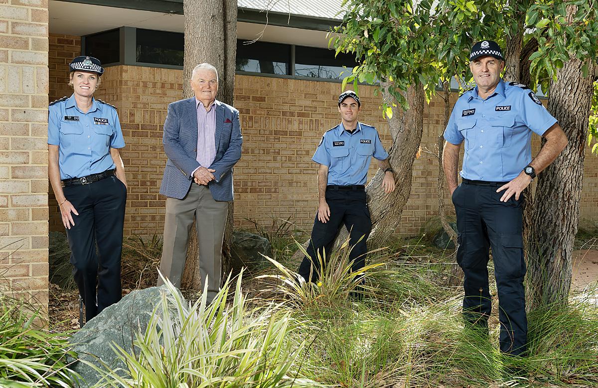 WAPU PoliceFamily 06